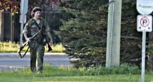 Rendőrgyilkos Rambó tartja rettegésben Monctont (+video)