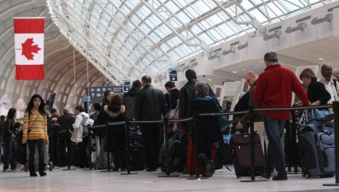 """""""becsekkolás"""" a torontói Pearson reptéren (illusztráció)"""