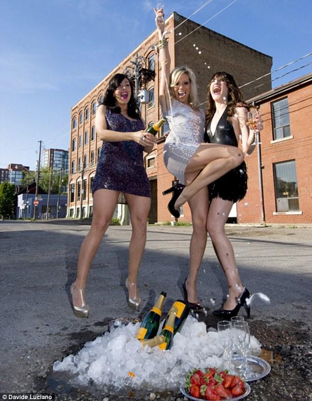 Tecumseth Street, Toronto - A pezsgő behűtve, eper tálalva