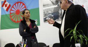 Mohácsi Viktória a torontói roma közösségi központban | Fotó: Reuters