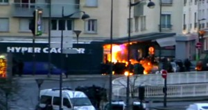 paris-cacher-marche-attack
