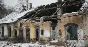Üres házak az egyik számozott utcában Miskolcon - Fotó: Botos Tamás